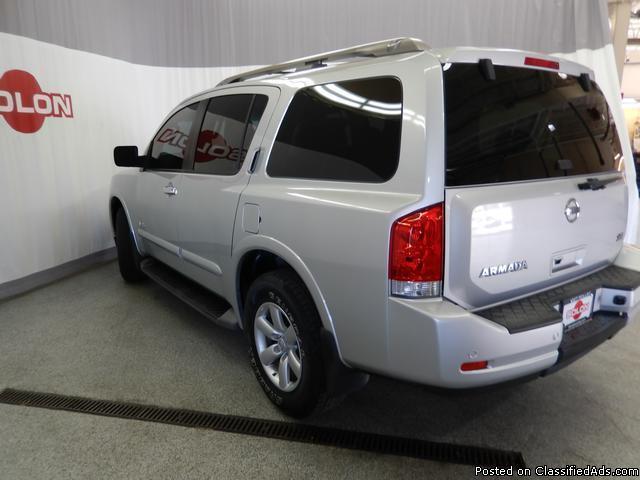 2008 Nissan Armada SE Silver SUV V8