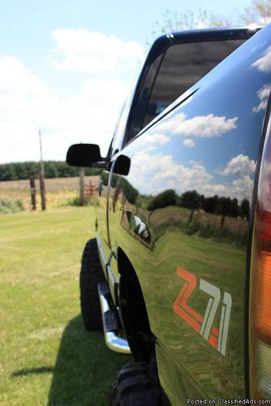 2000 Chevrolet Silverado LT Z71 $2,350