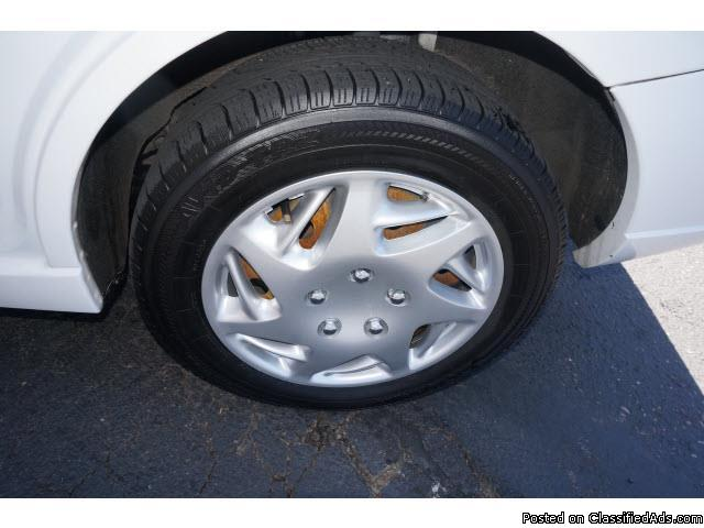 2005 Ford Focus ZX4 S Cloud White Clearcoat Sedan I4